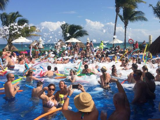 foam party at swim up bar party pool picture of ocean coral rh tripadvisor co uk