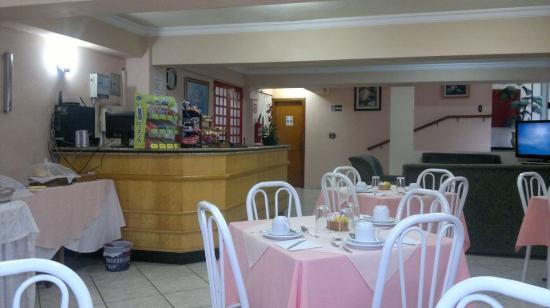 Garca, SP: Sala do café da manhã / Recepção