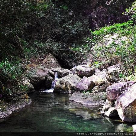 Hou Dong Keng Waterfall