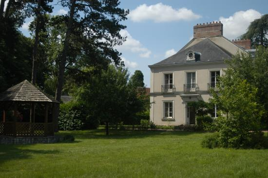 Saint-Branchs, ฝรั่งเศส: Façade vue du Parc