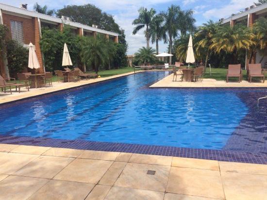 Uma das 3 piscinas grandes do hotel foto de hotel jp - Piscinas grandes ...
