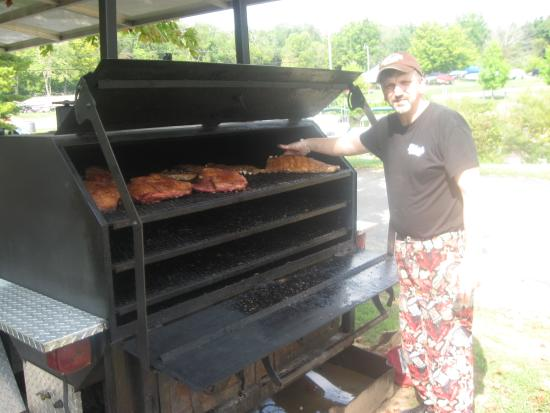 Senecaville, OH : Enjoy onsite BBQ all summer long with Chef T-Ray