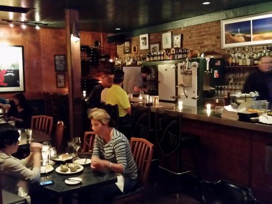 bar area photo de kingfisher bar and grill tucson tripadvisor. Black Bedroom Furniture Sets. Home Design Ideas