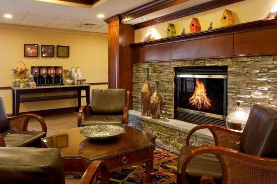 Hampton Inn Waynesboro / Stuarts Draft: Lobby