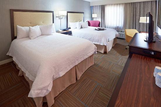 Hampton Inn Salt Lake City Central: Two Queen Beds Guest Room