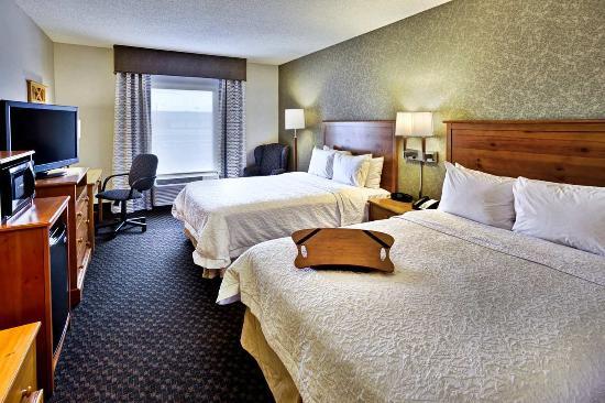 Seekonk, MA: ADA Accessible Two Queen Bed Room