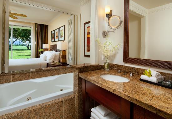 Westin Princeville Ocean Resort Villas: Bathroon