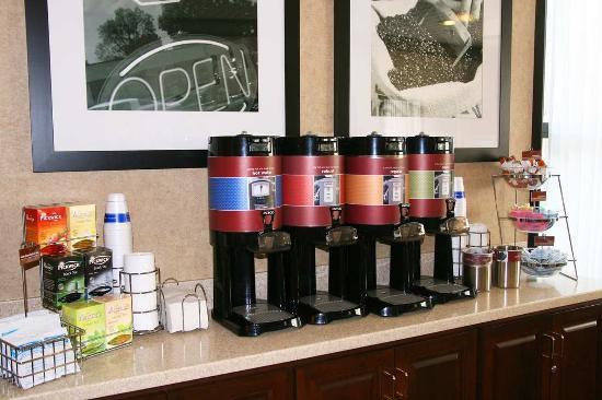 Shoreview, MN: Breakfast Coffee Area
