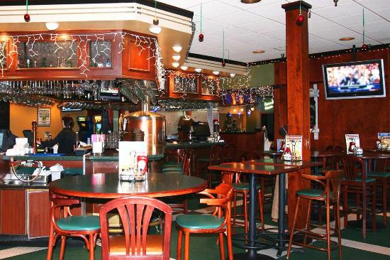 Shoreview, MN: Green Mill Bar Area