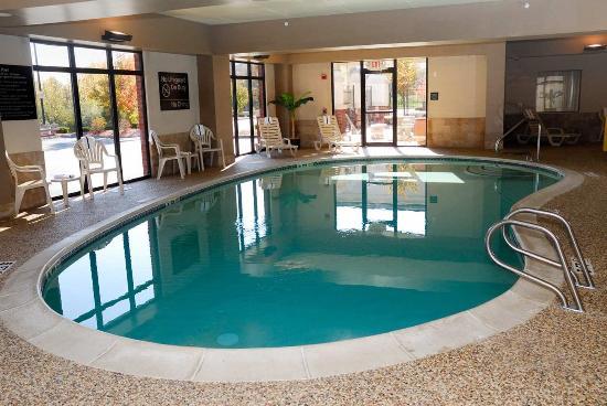 hampton inn suites manchester bedford nh hotel. Black Bedroom Furniture Sets. Home Design Ideas