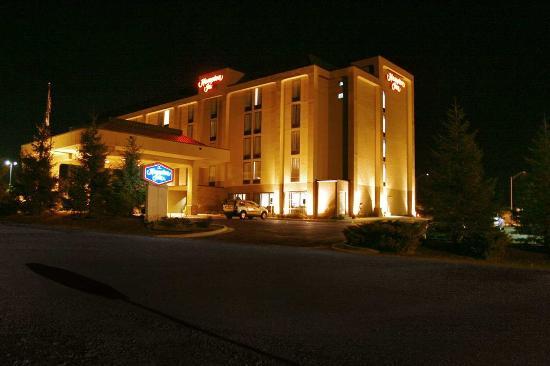 هامبتون إن سومرست: Hotel Exterior
