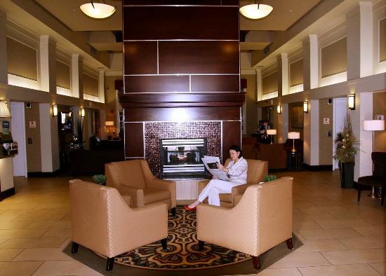 Hampton Inn & Suites by Hilton Calgary-Airport: Reception Area