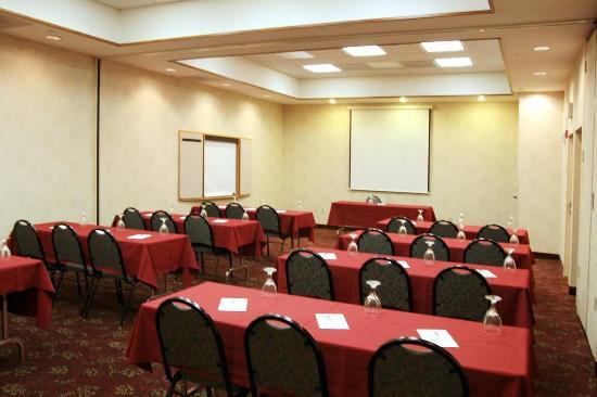 Merriam, KS: Parkway A & B Meeting Room