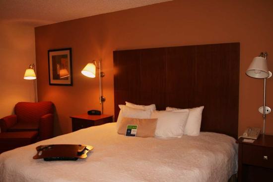 Merriam, KS: King Suite