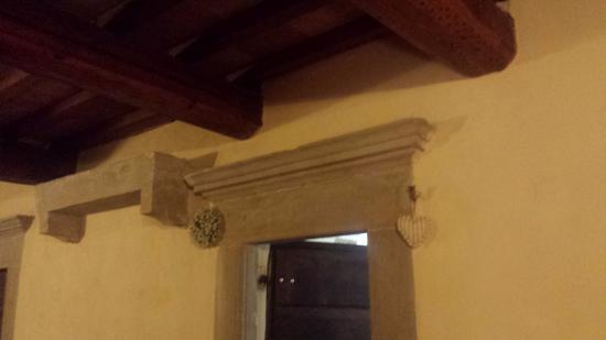Residenza Antica Canonica: particolare porta di ingresso app. 4