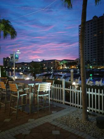Picture Of Tampa Marriott Waterside Cafe Waterside Tampa Tr