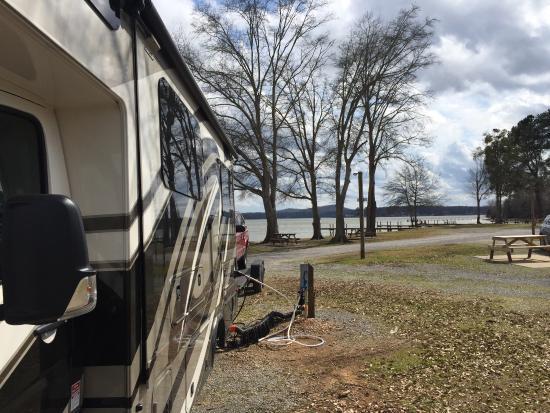 Cropwell, AL: Site by lake