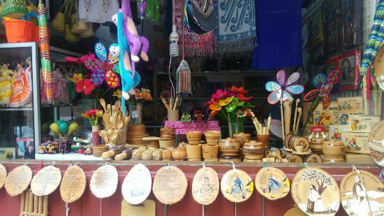 Mercado Artesanal de Monsefu: Bonito mercado de artesanias