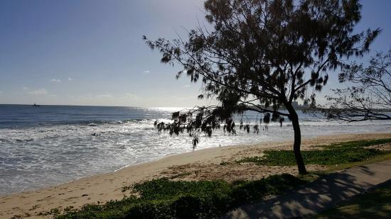 Raffles Mooloolaba: Mooloolaba beach ... 2 minutes away