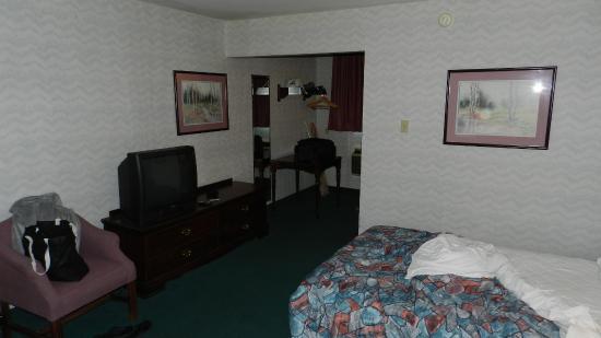 Mountain Side Inn: Bedroom