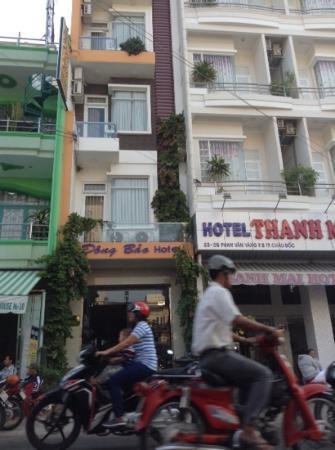 Dong Bao Hotel