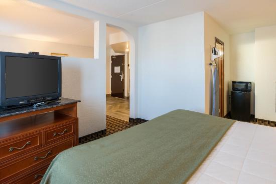 Savage, MN: King suite