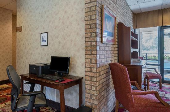 Quality Inn Easton : 24 Hour Business Center