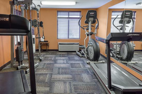 Comfort Inn Petersburg: Fitness Room
