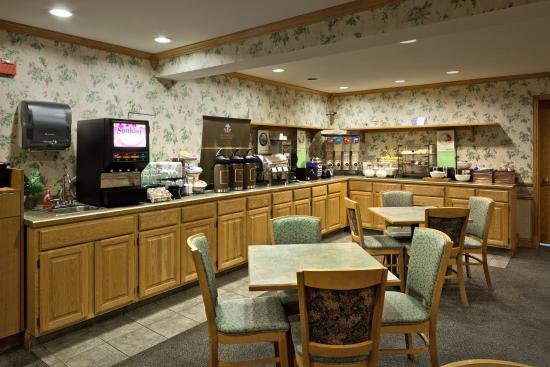 Country Inn & Suites By Carlson, Port Washington: Breakfast Room