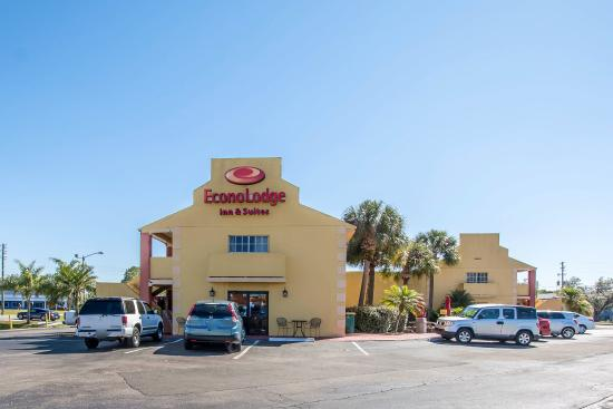 Photo of Econo Lodge  Inn & Suites Maingate Central Kissimmee