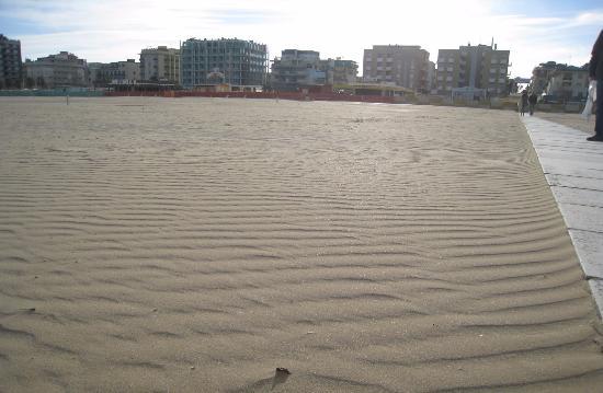 Bagno Stefano 50 - 51 : Пляж 51 со стороны моря эимой