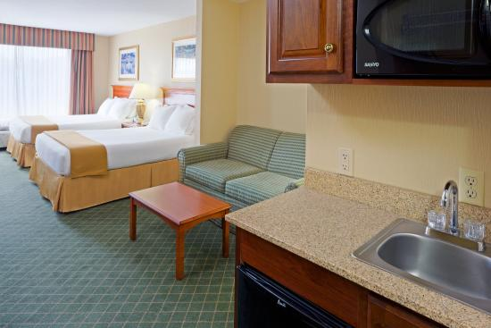 Holiday Inn Express Hotel & Suites Chester - Monroe - Goshen: Double Bed Suite