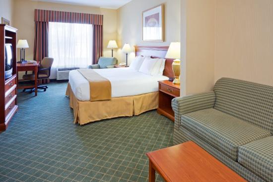 Holiday Inn Express Hotel & Suites Chester - Monroe - Goshen: King Suite