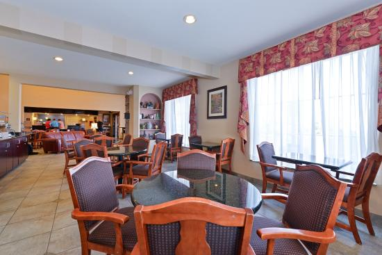 Holiday Inn Express Farmington (Bloomfield): Breakfast Area