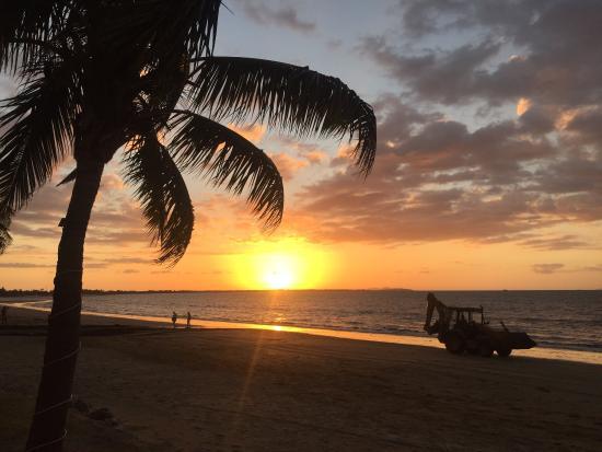 Smugglers Cove Beach Resort & Hotel: photo0.jpg