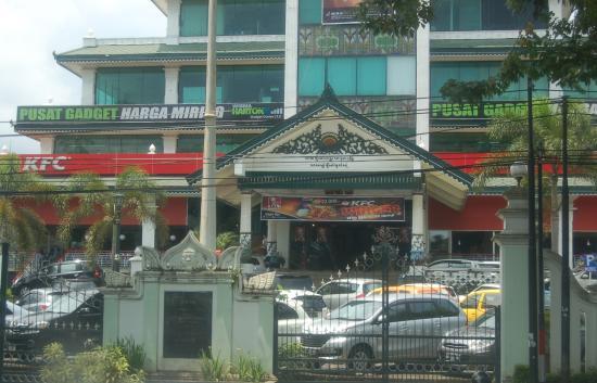 kentucky fried chicken yogyakarta region restaurant reviews rh tripadvisor com