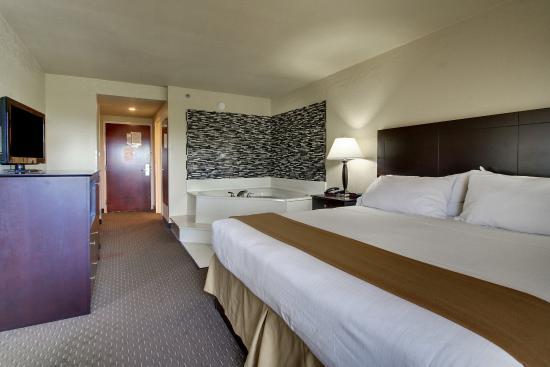 Holiday Inn Express Dahlonega: Guest Room