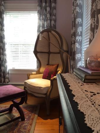 Applewood Manor Inn Bed & Breakfast : York Imperial Suite