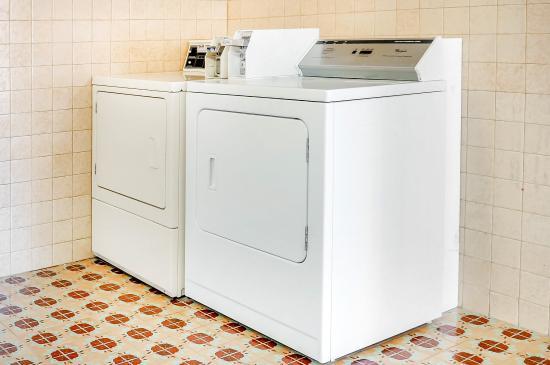 Rodeway Inn Roswell: Laundry