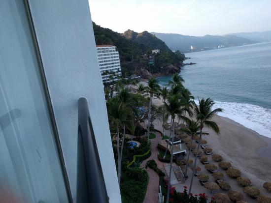 Hyatt Ziva Puerto Vallarta: view from room (20 floor, north tower)
