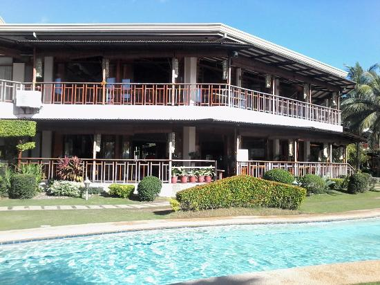 Sabin Resort Hotel: Hotel and pool from another angle