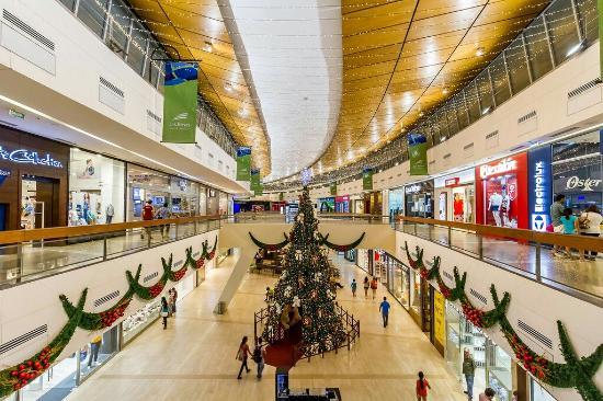 Las Brisas Centro Comercial