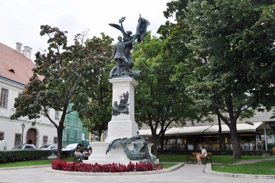 Statue of the Independence War