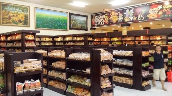 snacks to buy at krisna bali picture of krisna bali denpasar rh tripadvisor com