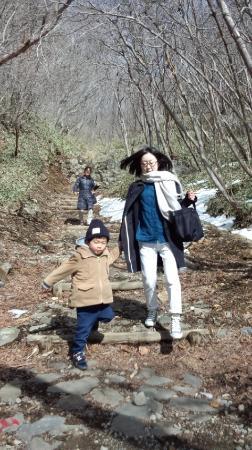 Sesshoseki-Tenbodai Boardwalk: 4歳児もご覧のとおりです!