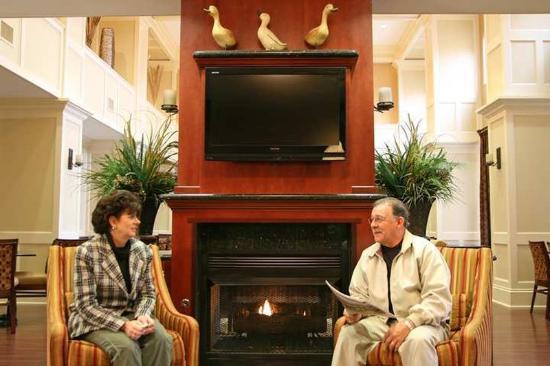 Hampton Inn & Suites Sevierville @ Stadium Drive: Lobby