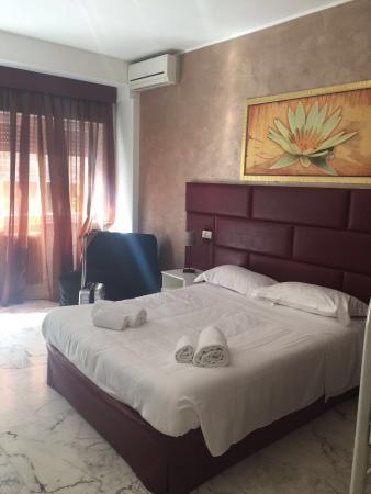 banheiro picture of check inn rooms rome tripadvisor rh tripadvisor com