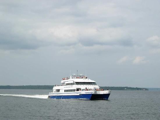 Kingston, RI: Ferry