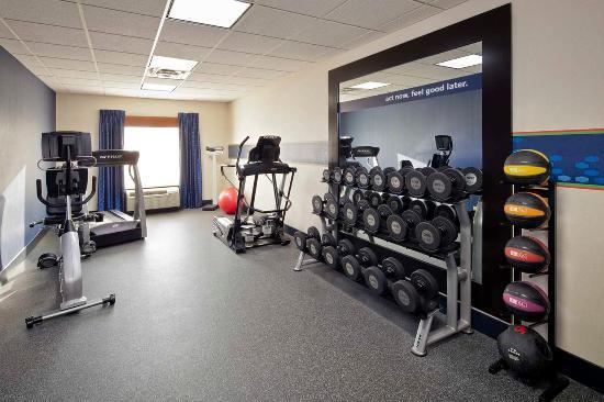 Hampton Inn & Suites New Haven - South - West Haven: Fitness Center