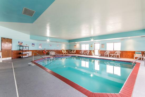 Reedsburg, WI: Pool